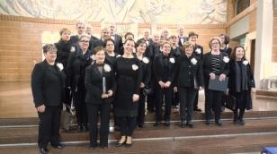 DSCN9998 corale S.Anna con nuovo Maestro Manuela Belluccini